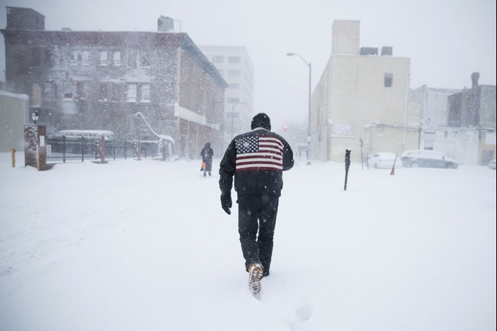 Massive Snow Storm Batters U.S East Coast, 18 inches of Snow Expected