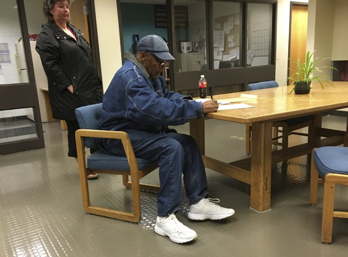 OJ Simpson Out on Parole After 9 Years In Prison