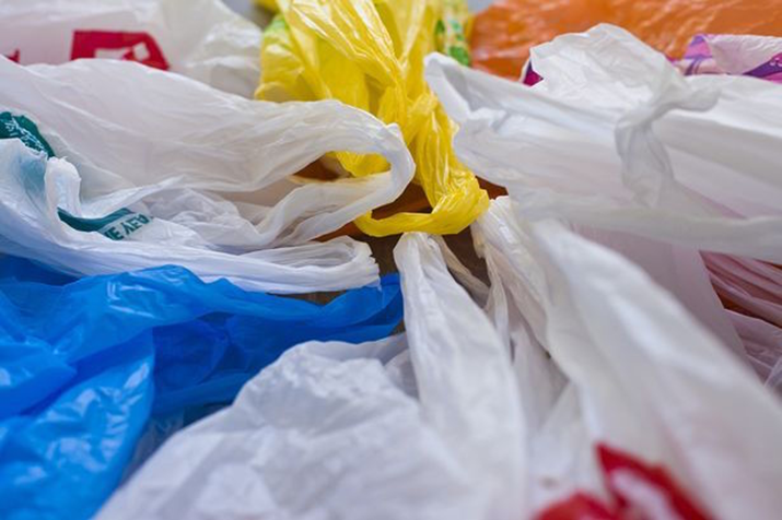 Canada's Recipe Unlimited Eliminates Plastic Bags from Restaurant Network